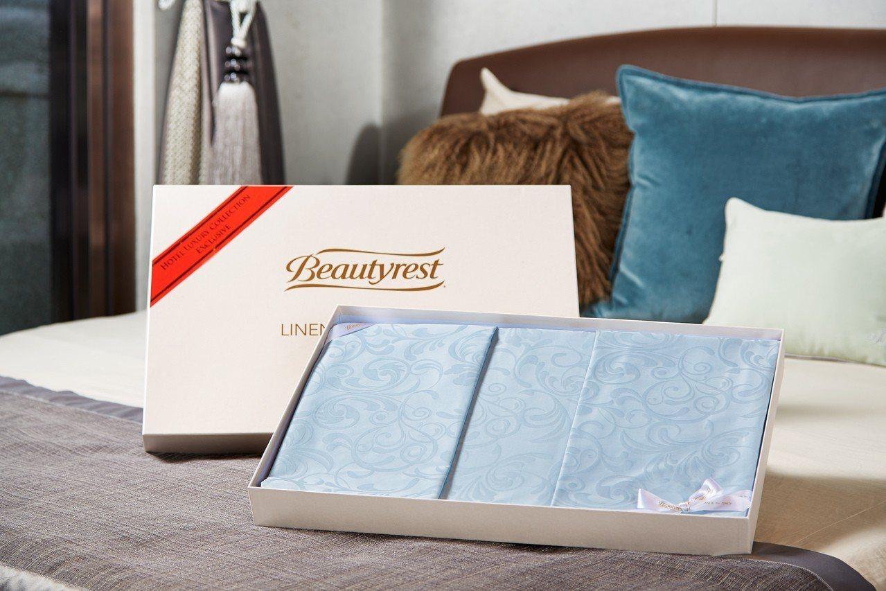 買床加贈義大利製寢具4件組。圖/席夢思提供