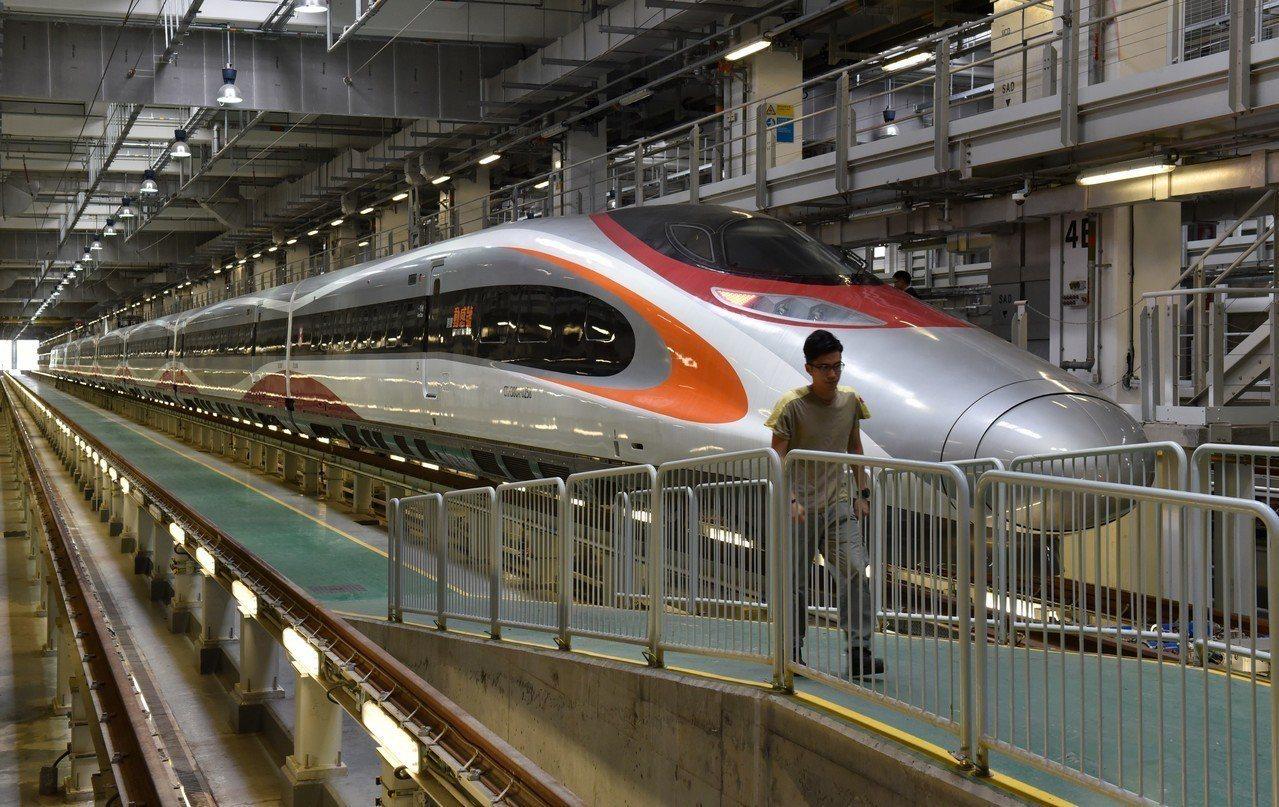 廣深港高鐵香港段將於9月23日正式通車。圖為即將投入高鐵香港段運營的港鐵「動感號...
