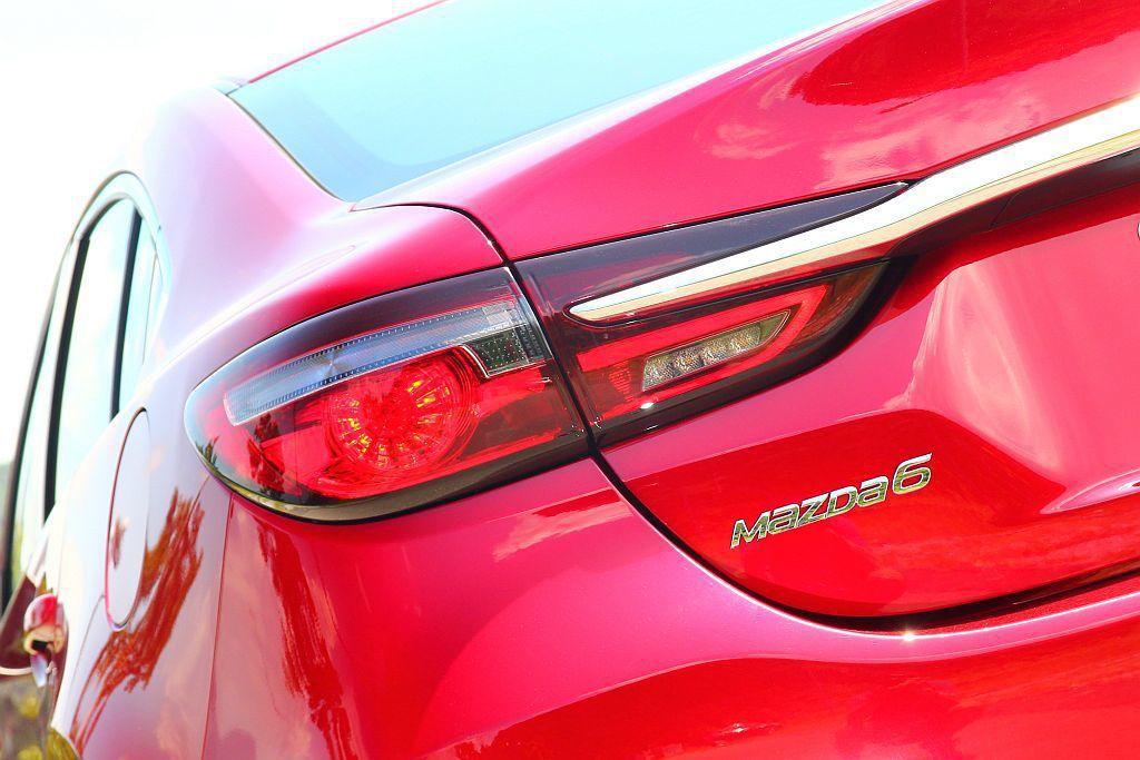 Mazda6的每次變動都朝向「品牌旗艦」之路邁進,也因此這些改進都是相當有感的。...