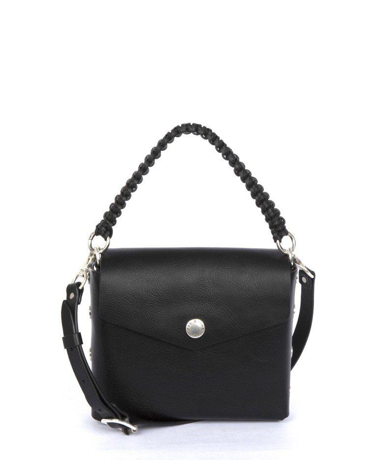 黑色牛皮Atlas編織提帶磁釦肩背包,售價23,500元。圖/rag & bon...