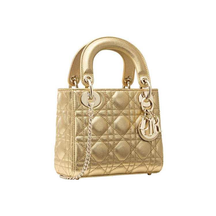 Lady Dior mini金色籐格紋粒面小牛皮迷你鍊包,售價10萬5,000元...