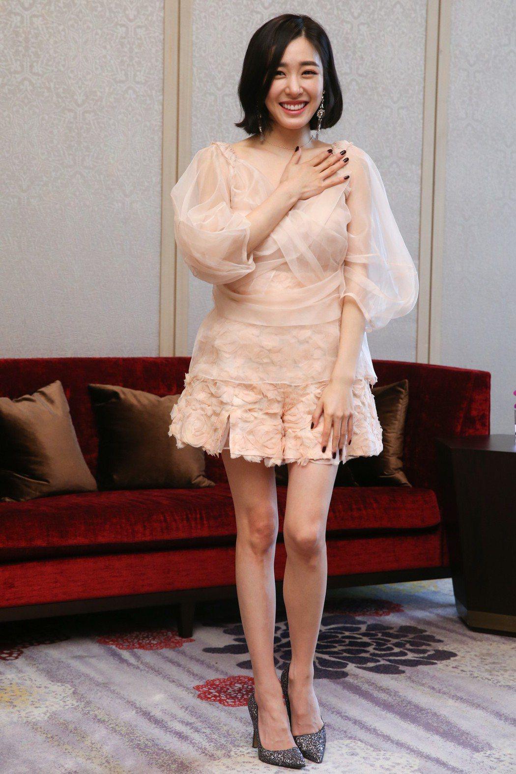 韓國女星Tiffany Young接受媒體聯訪。記者葉信菉/攝影