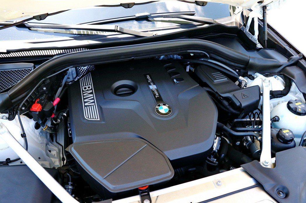 BMW X4 xDrive30i擁有252匹、350牛頓米的動力輸出。 記者陳威...