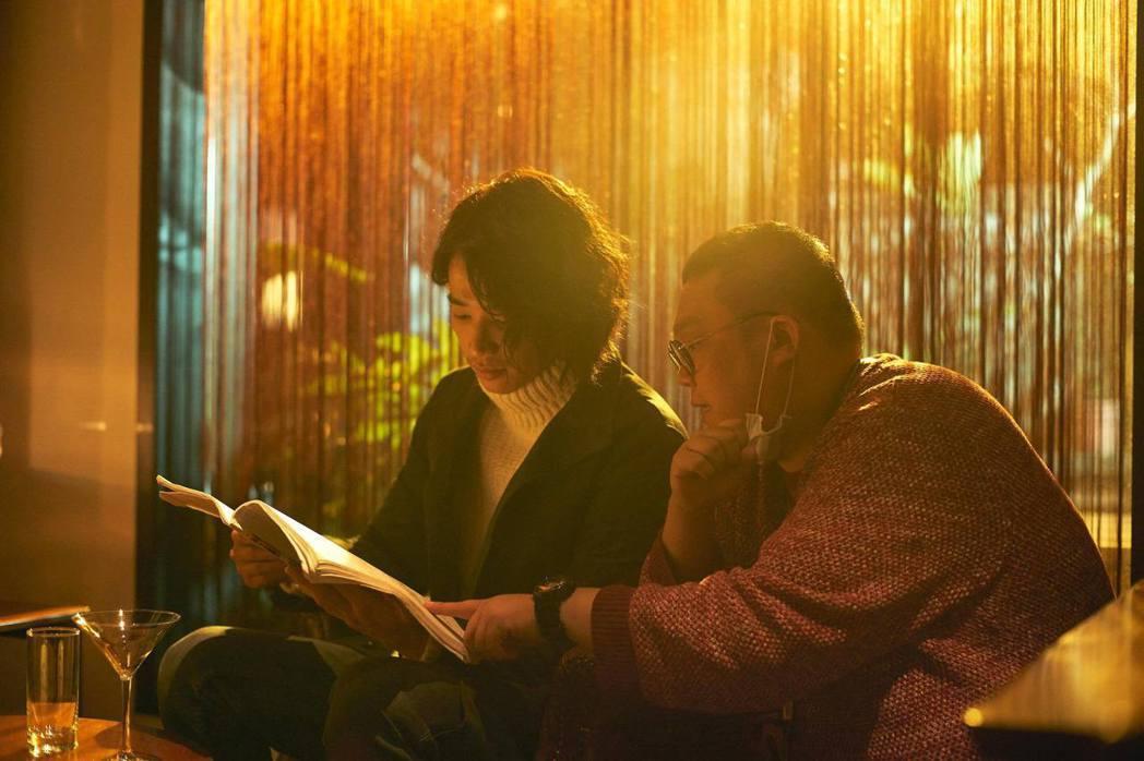 林孝謙(右)與劉以豪(左)在「比悲傷更悲傷的故事」當中有愉快合作。圖/林孝謙提供