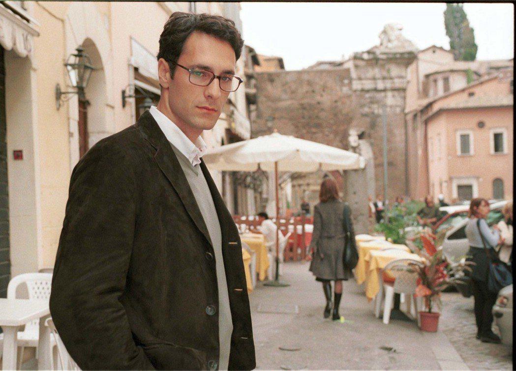 雷歐波瓦是義大利知名影星,出眾外型被封為「義大利百年一見型男」。圖/海鵬提供