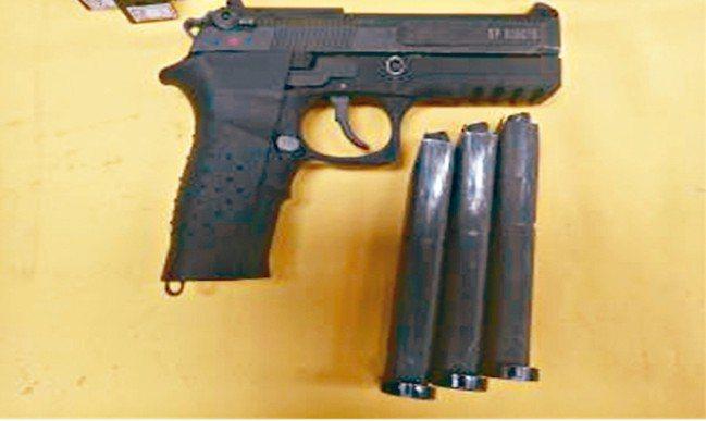 國軍新型手槍T75K3。 軍備局/提供