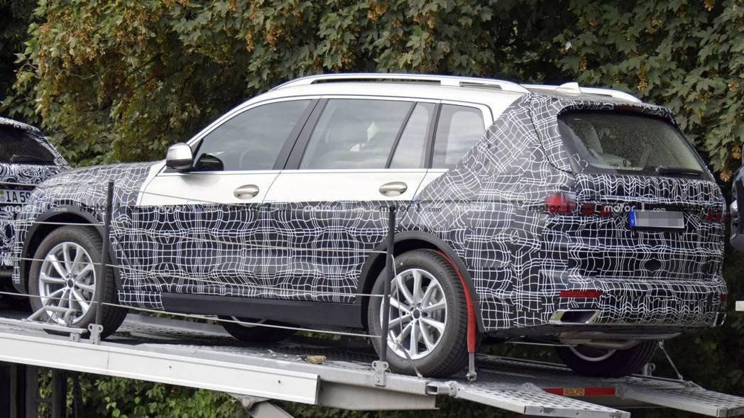 全新BMW X7在未來的售價,估計將會成為最貴的BMW休旅車。 摘自Motor ...