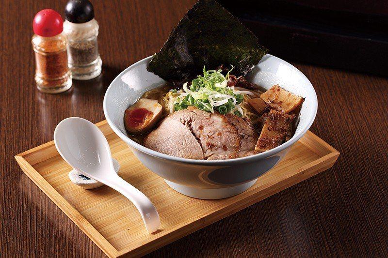 濃厚味噌拉麵230元/符合熱愛味噌湯頭的台灣人,所呈現出的招牌拉麵,也是台中較少...