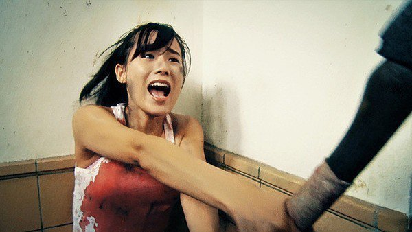 女主角被逼得快要崩潰。圖/車庫提供