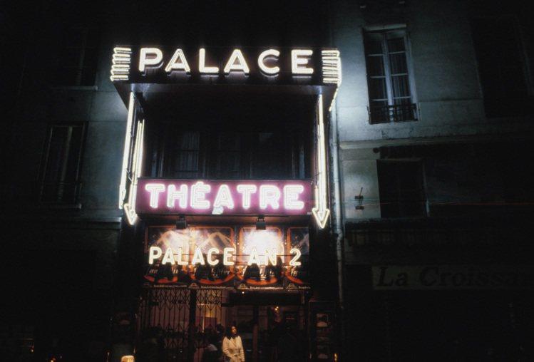 向來是米蘭時裝周重頭戲的Gucci,這回將2019春夏秀搬到巴黎著名的Théât...