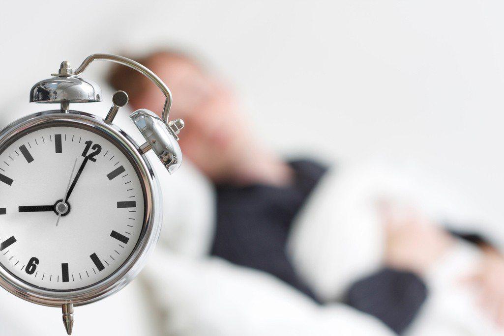 成年人睡眠時間不固定,容易造成代謝疾病出現。 圖/ingimage