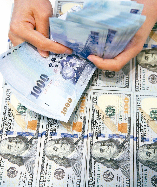 瑞銀、資誠今(26)日發布「億萬富豪調查報告」,2017年台灣億萬富豪人數從31...