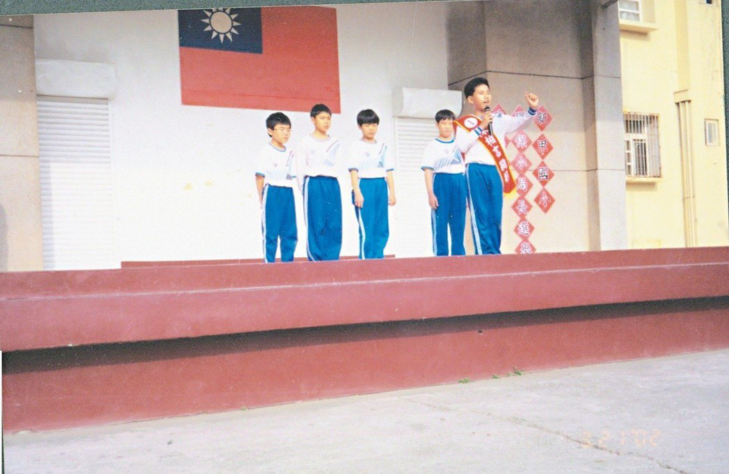 小學五年級的陳柏言競選新甲國小環保小局長。