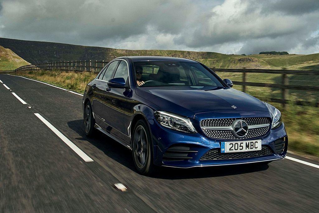 剛問世的代號M264、排氣量1,497c.c.直列四缸渦輪增壓引擎,目前率先搭載於賓士小改款C200上。 圖/Mercedes-Benz提供