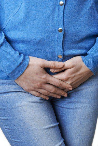 儘管百分之五十的中年女性都曾發生漏尿的情況,但是更年期和減少的雌激素濃度並非主因...