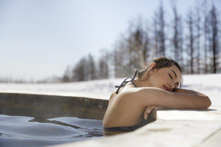 不只滑雪,各式體驗同步登場。圖為戶外加拿大浴。圖/Club Med提供