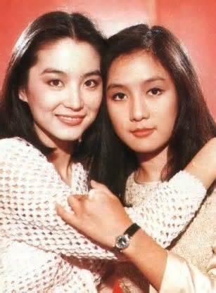 林青霞與呂秀齡曾在瓊瑤小說改編的「燃燒吧,火鳥」演姊妹。圖/摘自微博