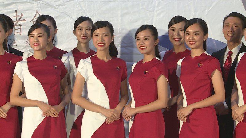 台北大學國慶親善團成員包括緬甸僑生、泰雅族學生等,呈現不同文化交融之美。攝影/記者王彥鈞