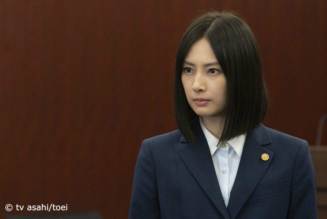 北川景子和北村一輝搭檔演出新劇「指定律師」。圖/KKTV提供