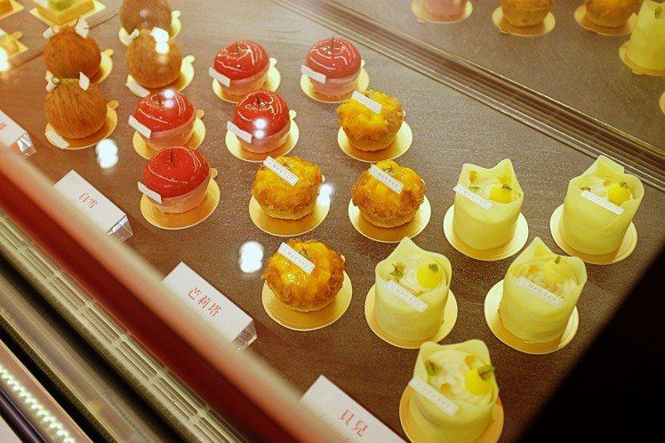CUPETIT卡柏蒂甜點櫃。圖/記者沈佩臻攝影
