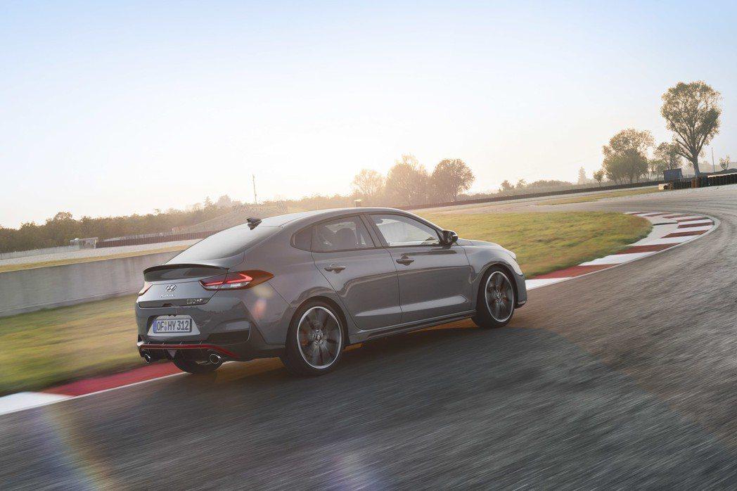 全新Hyundai i30 Fastback N。 摘自Hyundai
