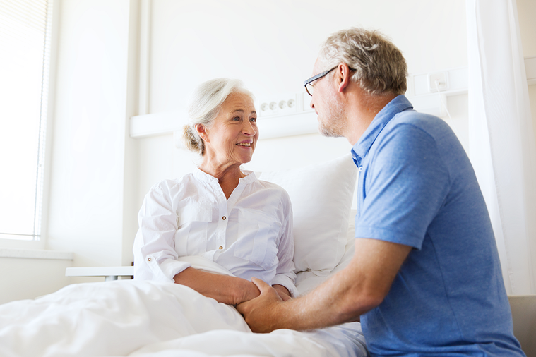 出院前,先評估是否轉入機構或居家照顧 圖/ingimage