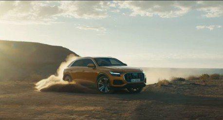 影/當你擁有340匹馬力的Audi Q8 你會怎麼玩呢?來去沙漠甩個尾吧!