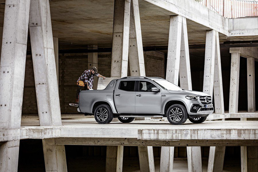 Mercede-Benz提供