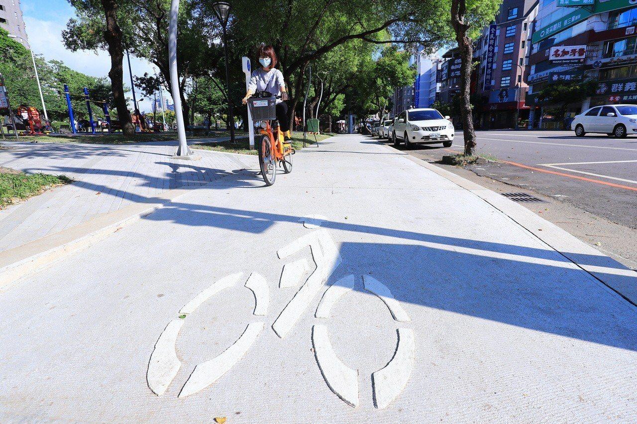台中市政府打造「台中之心」,串連散落市區的綠園道,第一階段從科博館到崇倫園道共6...