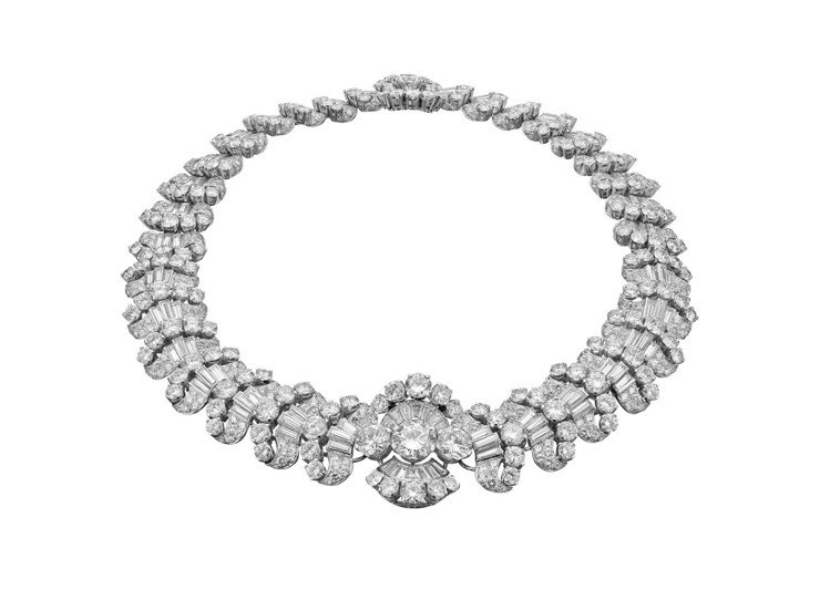 女神卡卡配戴的BVLGARI Heritage 系列鑽石頸鍊,創作年份約1959...