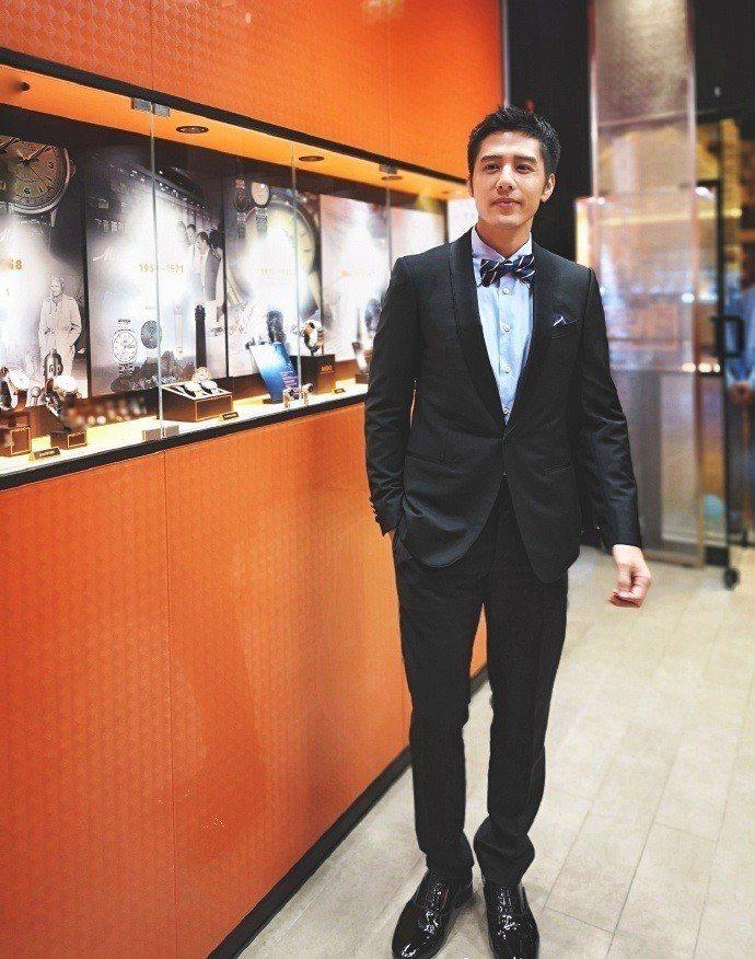 胡宇威在杜拜擔任MIDO新店開幕嘉賓。圖/MIDO提供