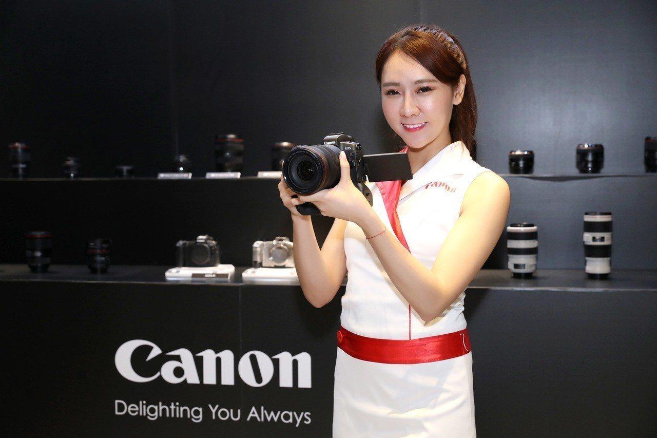 Canon首款採用RF接環的全片幅無反光鏡數位單眼相機EOS R,主打專業攝影師...