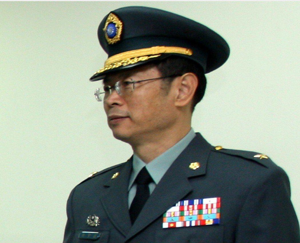 「博勝案」核心人物、陸軍通信電子資訊處處長羅賢哲少將,被查獲任內將機密的通訊情報...