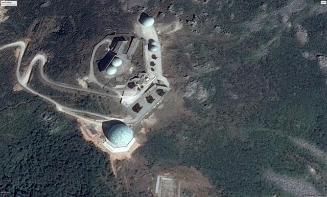 加拿大《漢和防務評論》報導,解放軍在福建至少有三座巨型監聽站,監聽台灣不同頻段的...