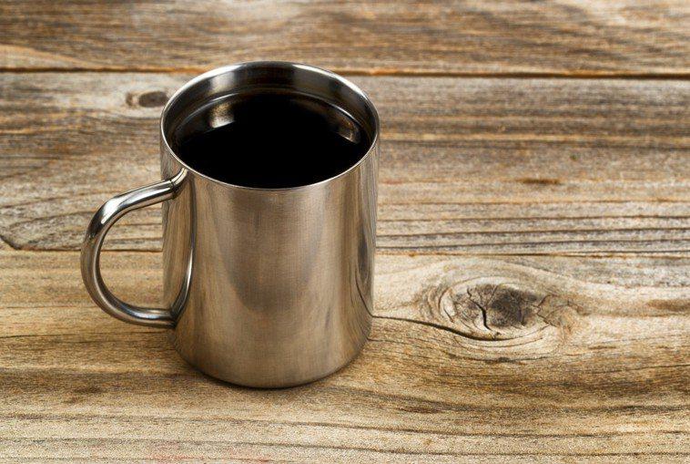 不鏽鋼杯。ingimage