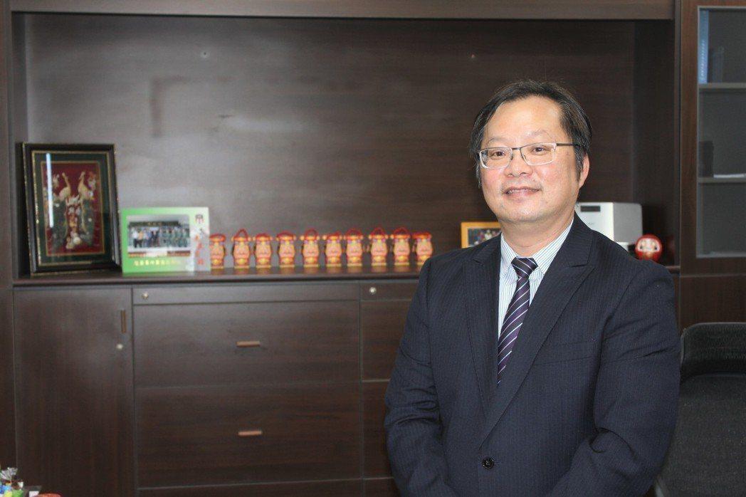華夏科大校長陳錫圭展現旺盛企圖心,積極帶領華夏科大轉型。 李憶伶/攝影。