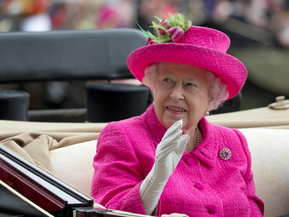 英國女王常常要在公共場合揮手上千次。圖片來源/The Sun
