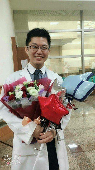 淡水馬偕醫院腎臟科主治醫師黃琪峰說,腎友抵抗外來細菌的能力較差,要慎防肺炎。...