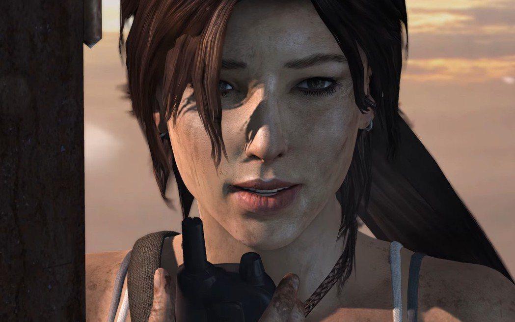 這位滿臉汙漬又看來狼狽不堪的馬尾女孩,就是新一代的蘿菈‧卡芙特。