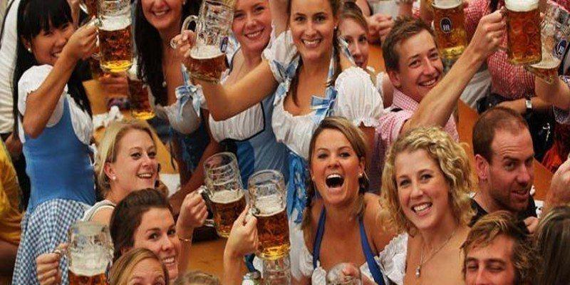啤酒節 ※ 提醒您:禁止酒駕 飲酒過量有礙健康 Skyscanner
