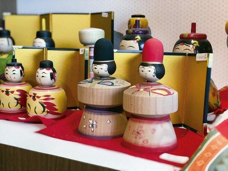 近來在日本引起一陣芥子娃娃風潮,透過娃娃傳達著平安長大的寓意。  攝影|行遍天下