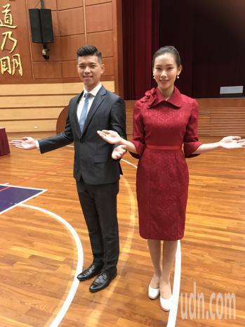 連續34年服務國慶大典的銘傳大學親善服務隊,今年特別推出嶄新服裝。記者馮靖惠/攝...