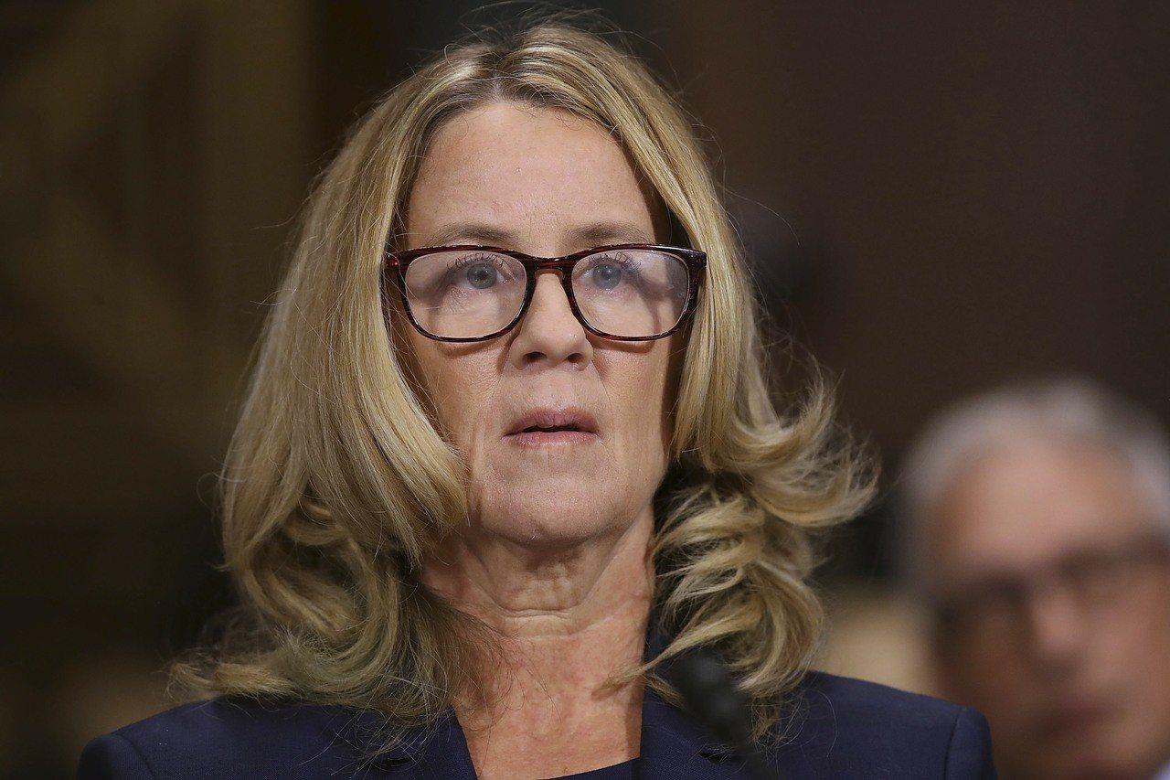 加州心理學教授福特指控美國大法官提名人卡瓦諾性侵未遂,27日出席國會參院司法委員...