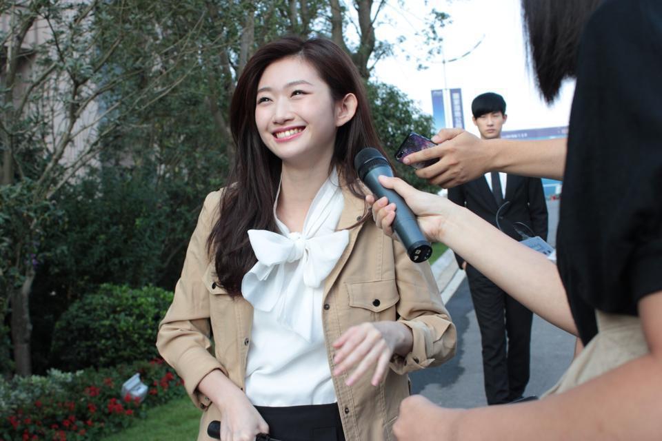 晏柔中曾扮演全智賢飾演的「千頌伊」。圖/摘自臉書