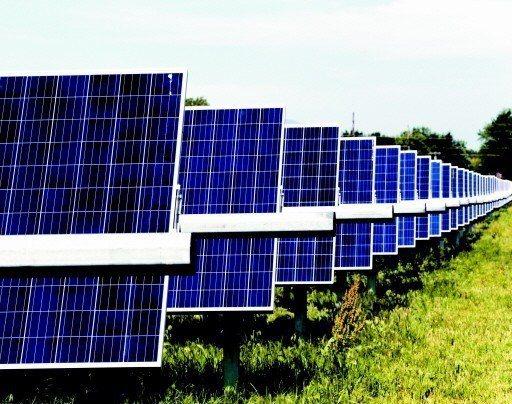 圖為太陽能板。 (美聯社)