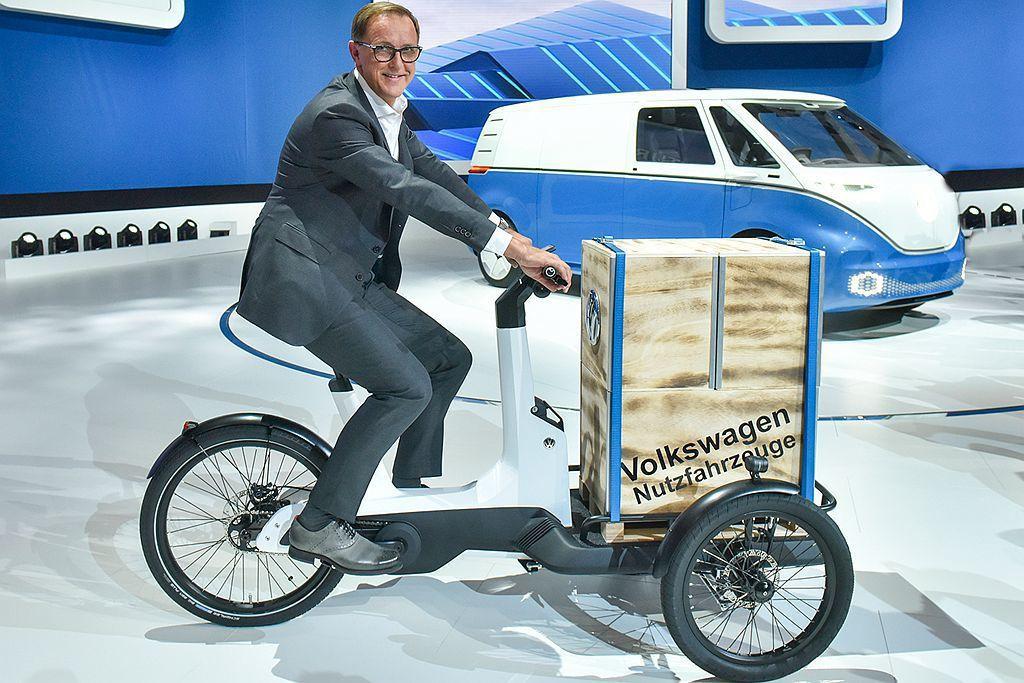 Cargo e-Bike包括騎士可承載210kg,同時包括0.5立方米的貨物量。...