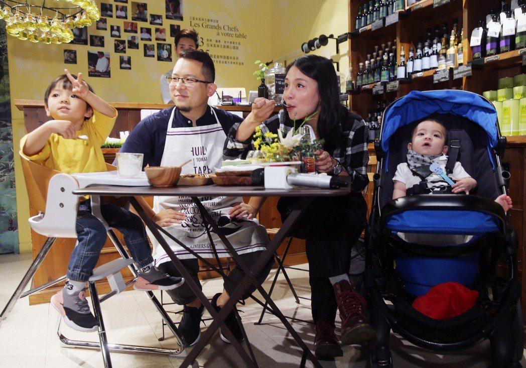 小威和老婆Sunny擁有兩個可愛的兒子。記者徐兆玄/攝影