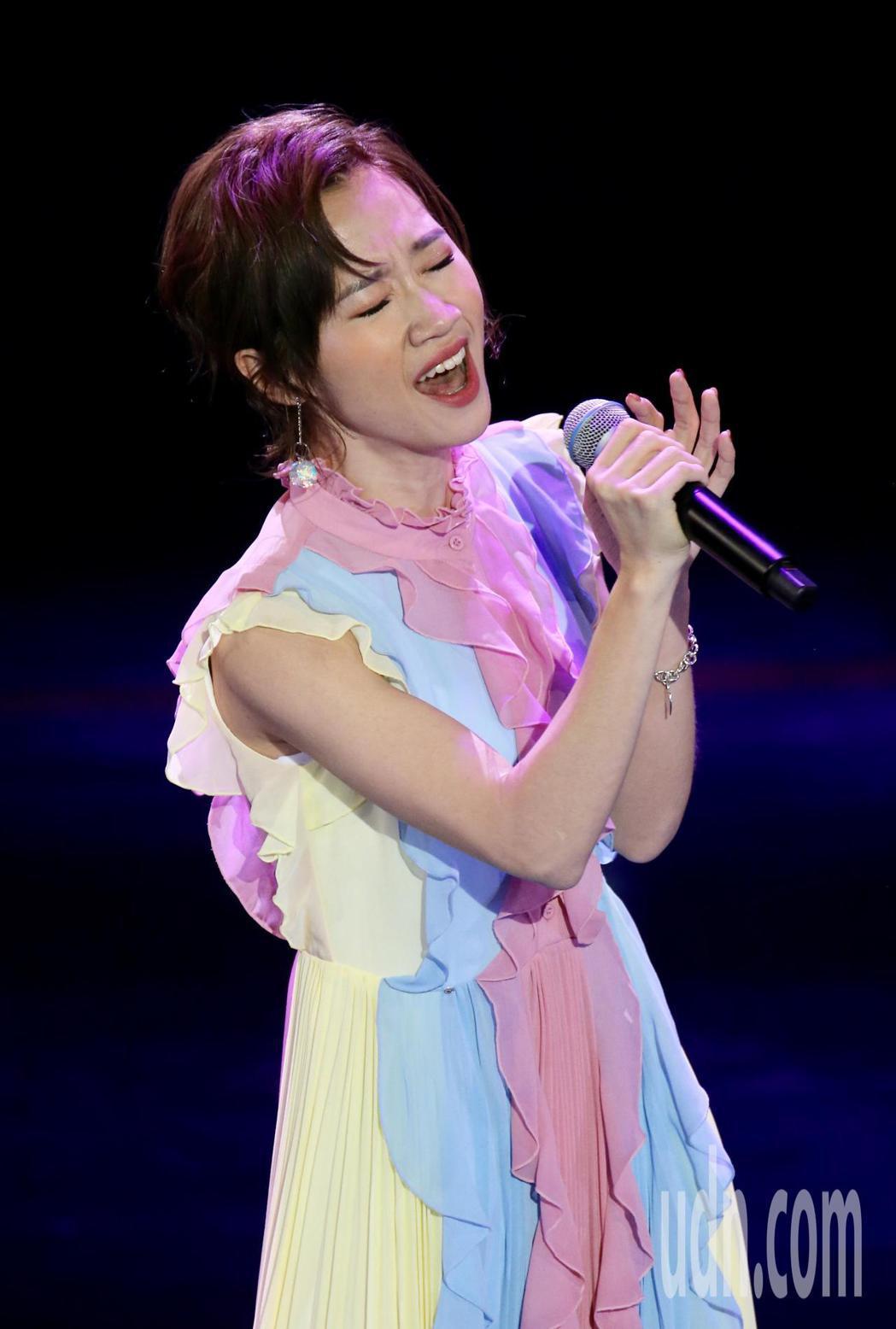 廣播金鐘獎今晚舉辦頒獎典禮,中場表演節目由歌手LULU演唱。記者許正宏/攝影
