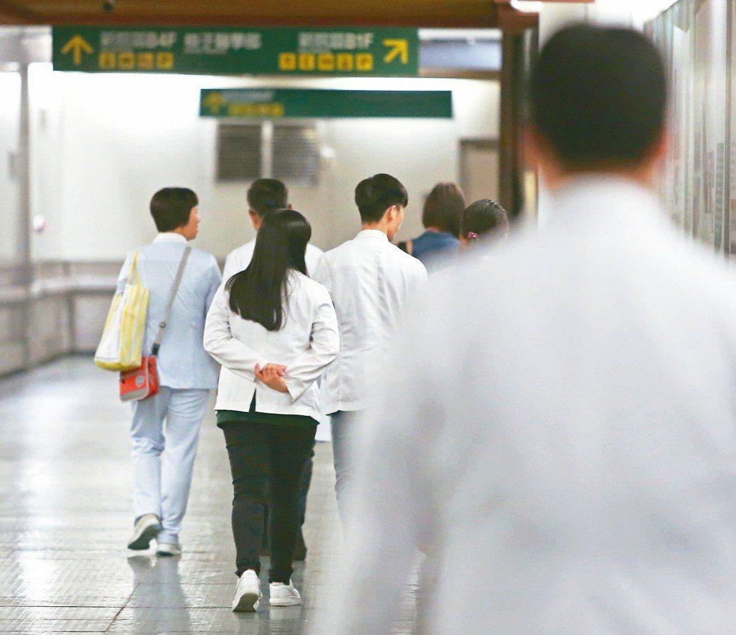 醫護人員血汗過勞,台灣麻醉醫療工會是台灣第一個以專科科別成立的工會。 本報資料照...