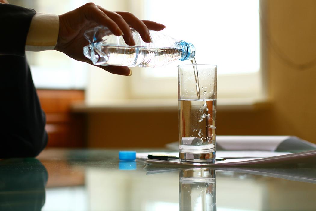 即使冬天也不可少喝水。 圖/ingimage